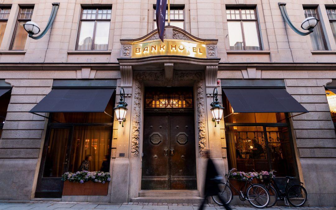 – BANK HOTEL